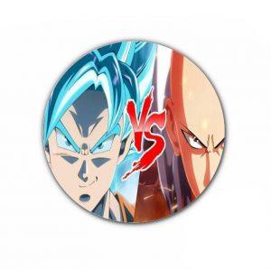 Pin's One punch man Saitama vs Goku SSJ Bleu 4,4cm Official Dr. Stone Merch